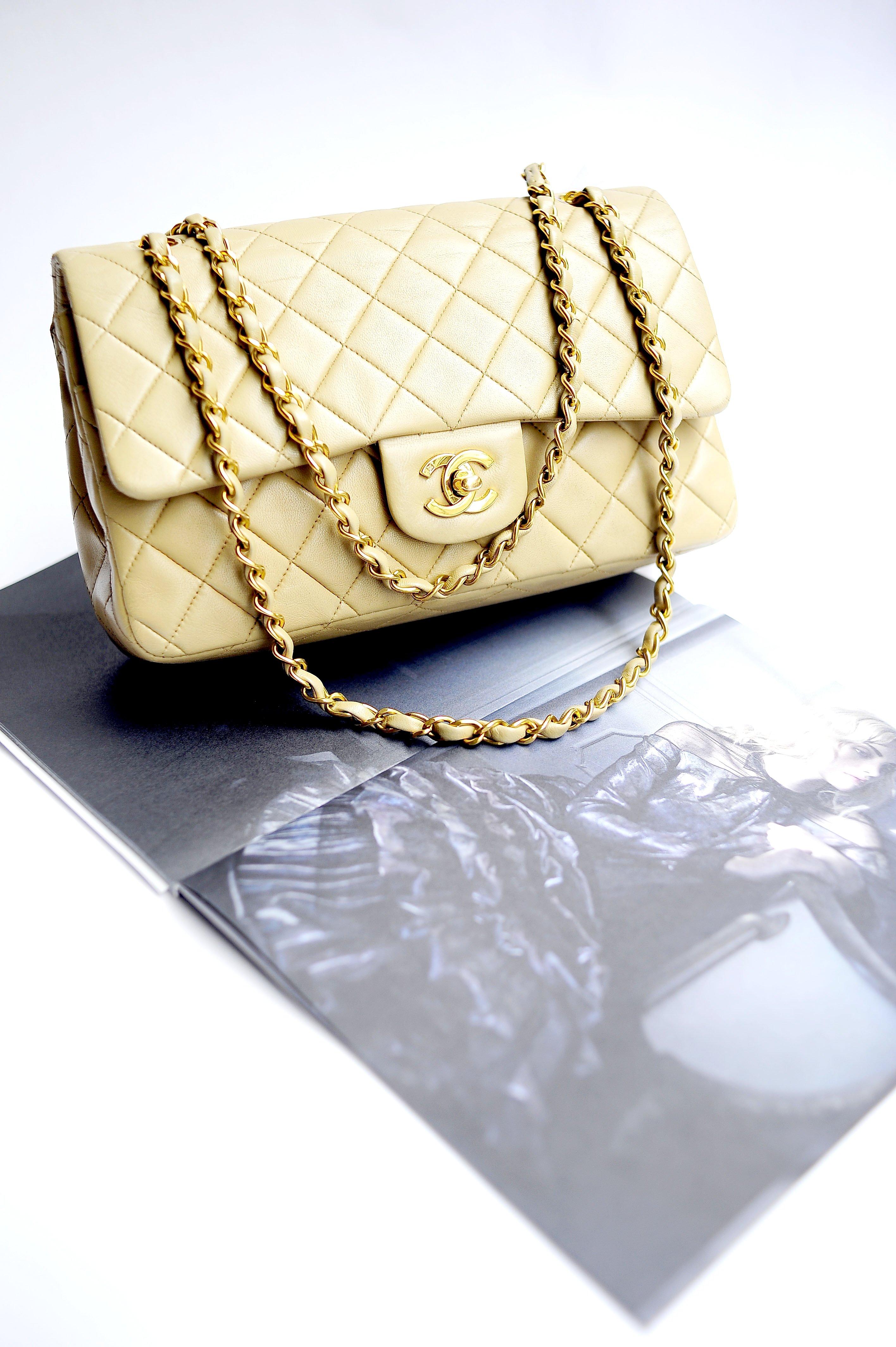 b6fb9a1de8 Iconiche ed intramontabili, le borse di Chanel attraggono da sempre le  donne di tutto il mondo, per le forme innovative e raffinate, l'eleganza  senza e ...