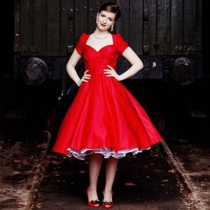 più recente 304eb 46ced Vestiti anni 50: torna alla ribalta lo stile romantico e bon ton