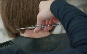 Tagliare i capelli oggi luna